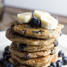VEGAN BLUEBERRY BANANA PANCAKES