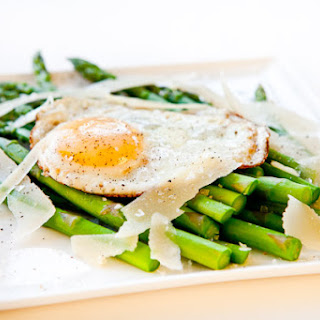 Asparagus with Fried Egg and Parmesan Cheese