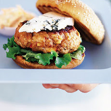 BBQ pork and apple burgers with blue cheese