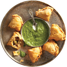 Aloo Samose (Indian Spiced Potato Pastries)