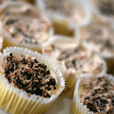 White Chocolate Caviar Cheesecake Cupcakes: Eww?