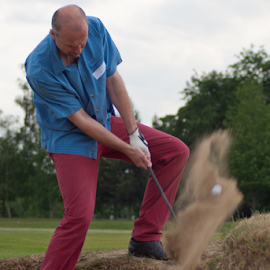 Bunkered in by David Francis - Sports & Fitness Golf