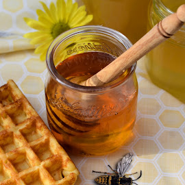 Is there honey still for tea? by Heather Aplin - Food & Drink Ingredients ( bee, waffle, jar, food, drizzler, tea, honeycomb, honey,  )