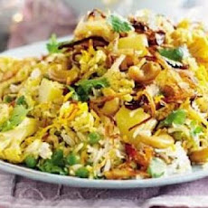 Aloo Matar Ka Pulao ( Indian Rice With Potatoes and Peas )