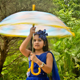 spinning the world  by Amol Patil - Babies & Children Child Portraits ( princess, indian, slow shutter )