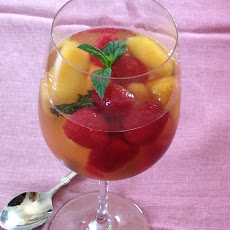 Minted Peaches and Raspberries In Rose'