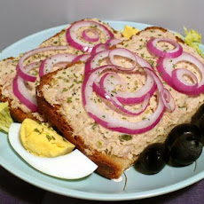 Rye Bread Sandwiches With Tuna, Pickle and Cream Cheese