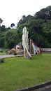 Monument Pour Les Victimes Du Crash Aerien Du 16 Aout 2005