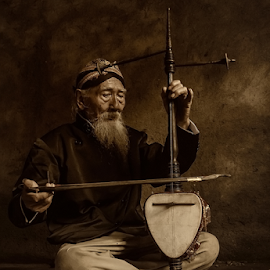 The Old Musician by MazLoy Husada - People Professional People