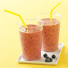 Mango-Berry Smoothie