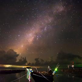 Star ship by Richard ten Brinke - Landscapes Waterscapes