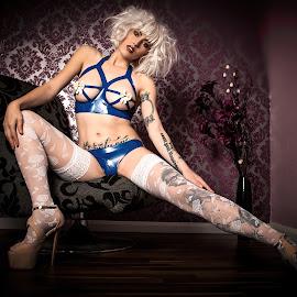 Maja Blue by Porlus At Maelstrom - Nudes & Boudoir Boudoir ( stockings, lips, latex, legs, beauty, white blonde wig, eyes )