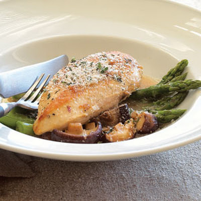 Pan-roasted Chicken with Asparagus and Shiitakes