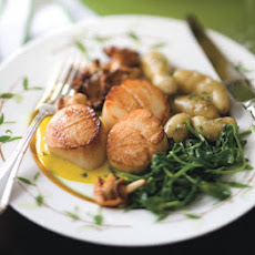 Pan-Seared Scallops with Lemon Sauce