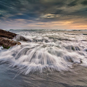 Rhythm of the waves by Eris Suhendra - Landscapes Waterscapes ( bali, beaches, indonesia, waves, sunset, travel, waterscapes, landscapes )