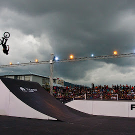The last jump by Faris Hdzq - Sports & Fitness Cycling ( bmx, fise )