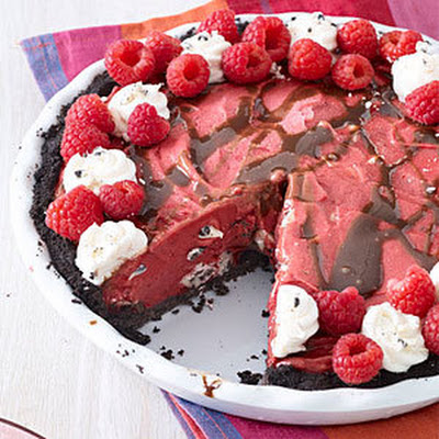 Berry Cookies-and-Cream Ice Cream Pie
