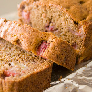 Whole Grain Banana Bread with Strawberries