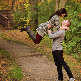 Emily + Josh by Jenna Schwartz - People Couples ( girlfriend, in the air, kent state, fun, leaves, couples, love, ohio, boyfriend, autumn, woman, fall, lifting, man )