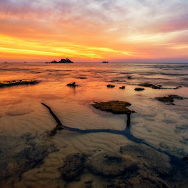 Sunset @ Tioman by Hendrey Lim - Landscapes Sunsets & Sunrises