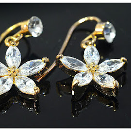 ear rings by Abdul Salim - Artistic Objects Clothing & Accessories