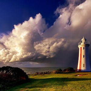 Devonport Lighthouse 2.jpg