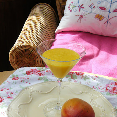 Peach, Mango & Ginger Smoothie