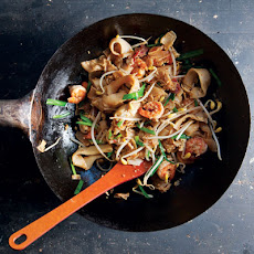 Char Kuey Teow (Stir-Fried Rice Noodles)