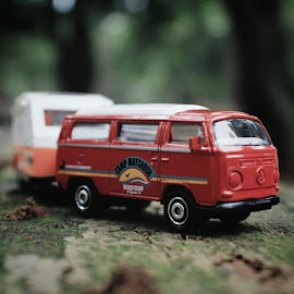Ready for the next trip.# by Deni Sutrisno - Artistic Objects Toys ( awesome__foto, diecastlovers, diecastcars, diecastindonesia, diecastphotography, diecast_daily, eclectic_photos, hotwheelsindonesia, instanusantarastilllife, instanusantarajakarta, ic_wow, icu_indonesia, mybest_shot, photobelle_club, toyslagram, toyartistry_red, toyleague, toyartistry, wow_syumul )