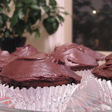 Peanut Butter Chocolate-Chip Cupcakes with Chocolate Icing