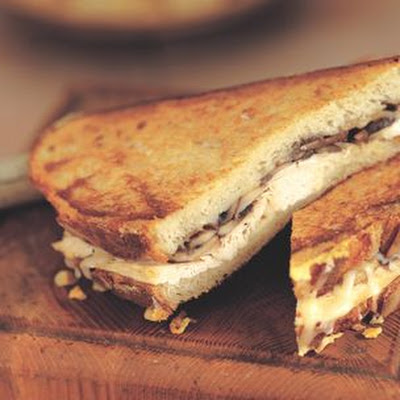 Chicken, Mushroom and Gruyère Grilled Sandwiches