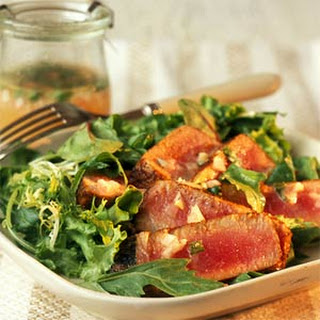 Seared Tuna on Mixed Greens with Cilantro-Lime Vinaigrette