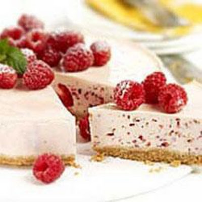 Banana, Raspberry And Ricotta Cheesecake