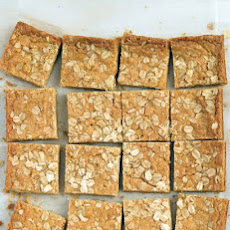 Chewy Oatmeal Blondies