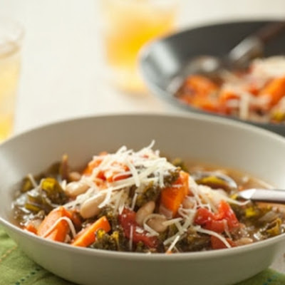 Vegetarian Tuscan Kale and White Bean Soup