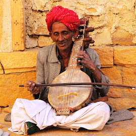 I m Entertainer not beggar   by Ajeet Singh - People Musicians & Entertainers ( street, india, historic district, oldman, portrait )