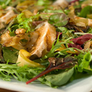 Caramelized Apple Salad With Grilled Chicken