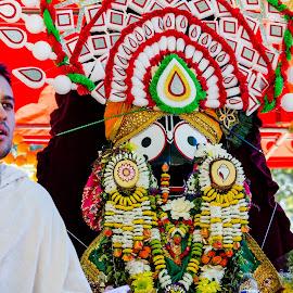 Jagannath Rath Yatra by Vaibhav Jain - News & Events World Events ( rath yatra, yatra, priest, god, jagannath rath yatra, philadelphia, sadhu, jagannath, prasad,  )