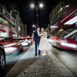 Passing Traffic on the high street by Dewan Demmer - Wedding Bride & Groom ( traffic, london wedding, london high street )