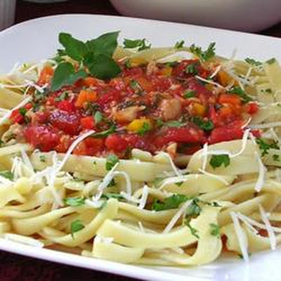 Garden Basket Pasta with Clam Sauce