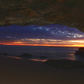 Caves Beach sunrise by Carissa Rideout - Landscapes Caves & Formations