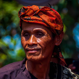 Abah by Ahmad Fauzi - People Portraits of Men
