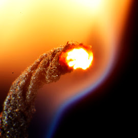 Candle Wick in MAcro by Glinson Aj - Abstract Macro