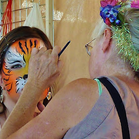 Face Painting by Samantha Linn - People Street & Candids