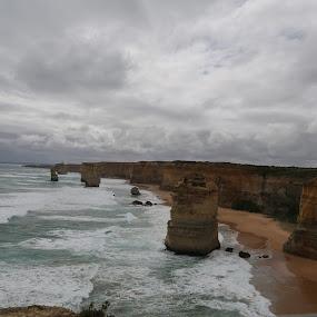12 Apostles by Manoj Ojha - Landscapes Waterscapes ( #australia, #victoria, #12apostles, #melbourne, #thegreatoceanroad )