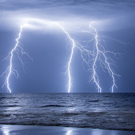 Electric Waters by Michael Beazley - News & Events Weather & Storms