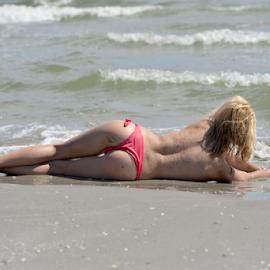 beach girl by Bogdan T. Fotografie - Nudes & Boudoir Artistic Nude ( water, body, sexy, nude, girl, art, summer, beach )