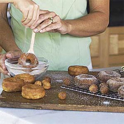 Quick Doughnuts and Doughnut Holes