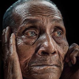 Pak Mat by Firdaus Zulkefili - People Portraits of Men ( potrait, villagers, old, hyper, affraid, retired, oldmam, people, potraiture )
