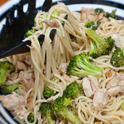 Spaghetti with Broccoli and Chicken